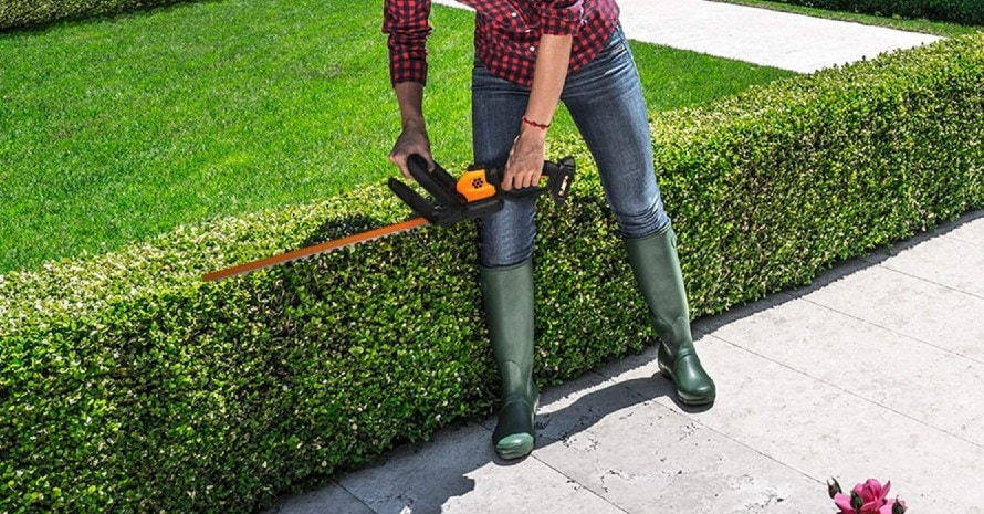 WORX WG261.9 20V Power Share 22-Inch Cordless Hedge Trimmer