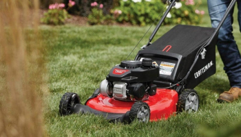 4 Best Lawn Mowers for Wet Grass Trimming in 2021