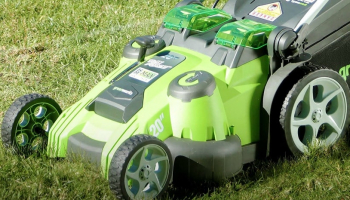 5 Best Striping Mowers in 2021: Device for Creating Nice Stripes on Lawns