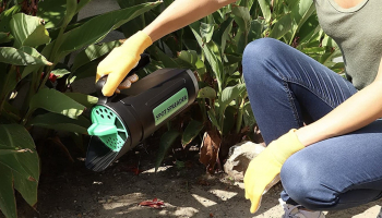 Topsoil Spreaders to Buy in 2021: Make Your Neighbors Jealous