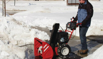 Best 3 Stage Snow Blower in 2021: Detailed Guide
