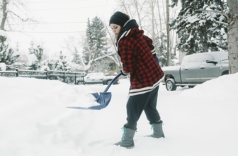 Best Snow Shovels in 2020: 9 Options Worth Your Purchase