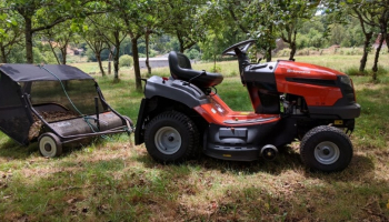 Best Push Lawn Sweeper in 2021: Top 5 Products for a Neat Yard